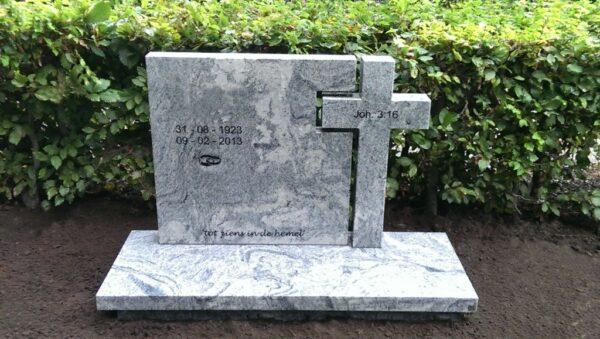 grafsteen met een kruis